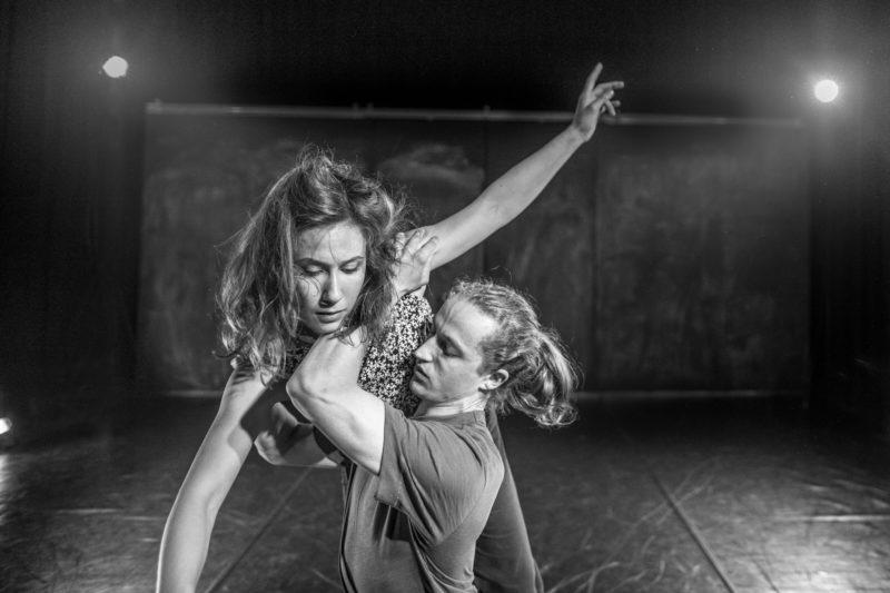 Forestillingsbilde fra danseforestillingen En...som