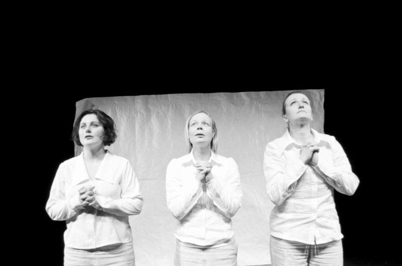 tre damer ber
